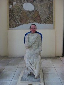 Scott as a Roman statue