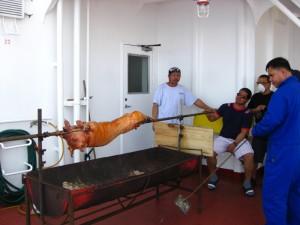 An Indian Ocean pig roast!